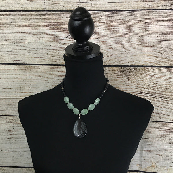 Abigail Green and Black Dragon Vein Agate Pendant Necklace