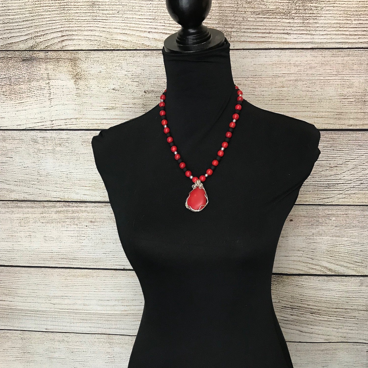 Rory Red and Black Necklace