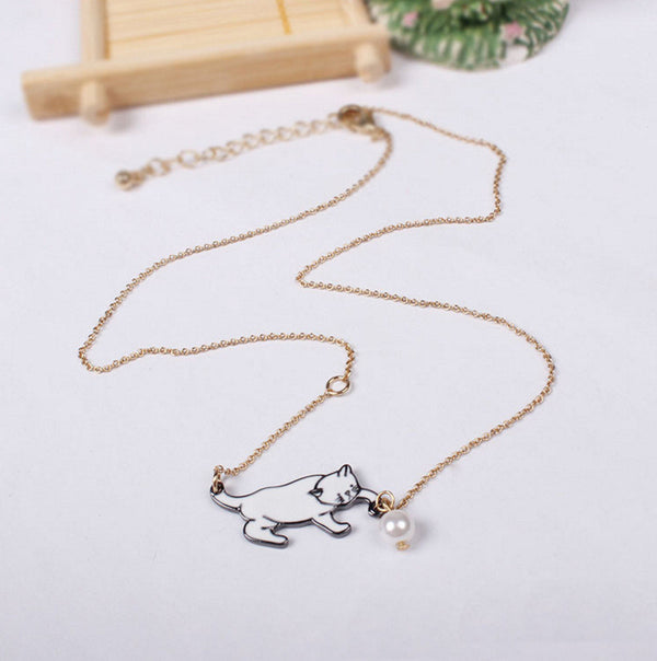 Playful Kitten Pearl Necklace