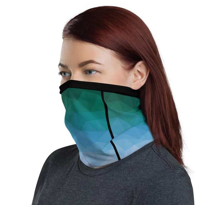 This Moda TRI Surge facemask / neck gaiter is a versatile accessory that can be used as a face covering, headband, bandana, wristband, and neck warmer. Upgrade your accessory game and find a matching face shield for each of your outfits.