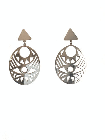Oval earring sterling silver with design