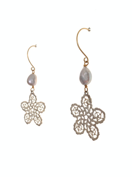 Silver and pearl crochet earrings