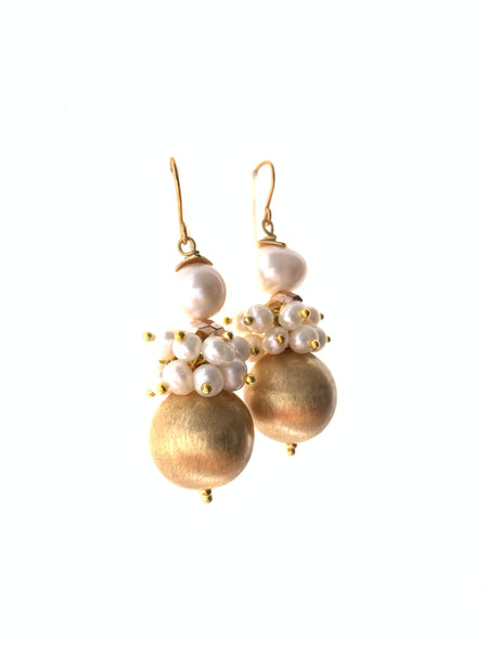 Round gold with pearls