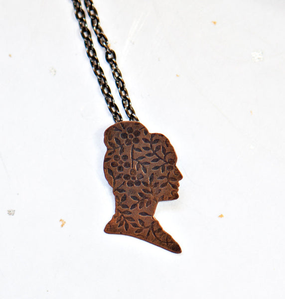 Cersei Lannister Cameo Necklace
