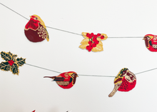 Load image into Gallery viewer, Hedgerow Christmas Garland