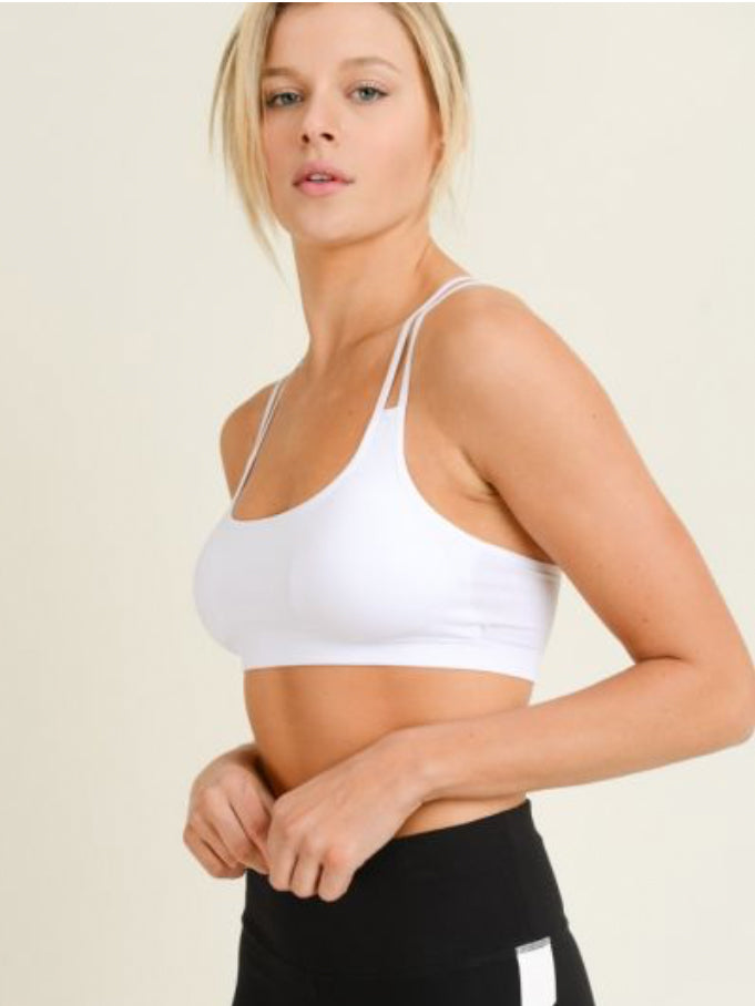 Ace Strappy Ring Back Seamless Sports Bra White