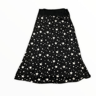 Primary Photo - BRAND:    CLOTHES MENTOR STYLE: SKIRT COLOR: WHITE BLACK SIZE: 3X OTHER INFO: BLUMIN - STARS SKU: 223-22318-120171