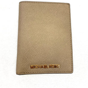 Primary Photo - BRAND: MICHAEL KORS STYLE: WALLET COLOR: TAUPE SIZE: MEDIUM SKU: 223-22364-36267