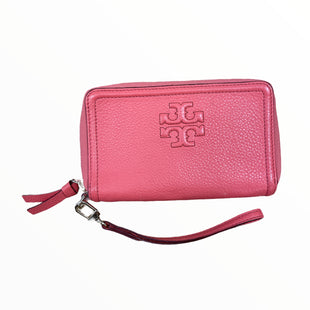 Primary Photo - BRAND: TORY BURCH STYLE: WALLET COLOR: CORAL SIZE: MEDIUM OTHER INFO: WRISTLET T FRONT SKU: 223-22318-123745