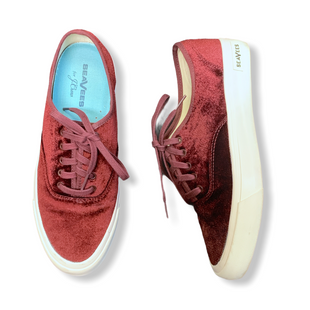 Primary Photo - BRAND:   CMC STYLE: SHOES ATHLETIC COLOR: MAROON SIZE: 9.5 OTHER INFO: SEAVEES - VELVET SKU: 223-22318-122818