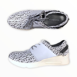 Primary Photo - BRAND: MADDEN GIRL STYLE: SHOES ATHLETIC COLOR: WHITE BLACK SIZE: 7.5 SKU: 223-22318-118367