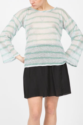sweater wide sleeves