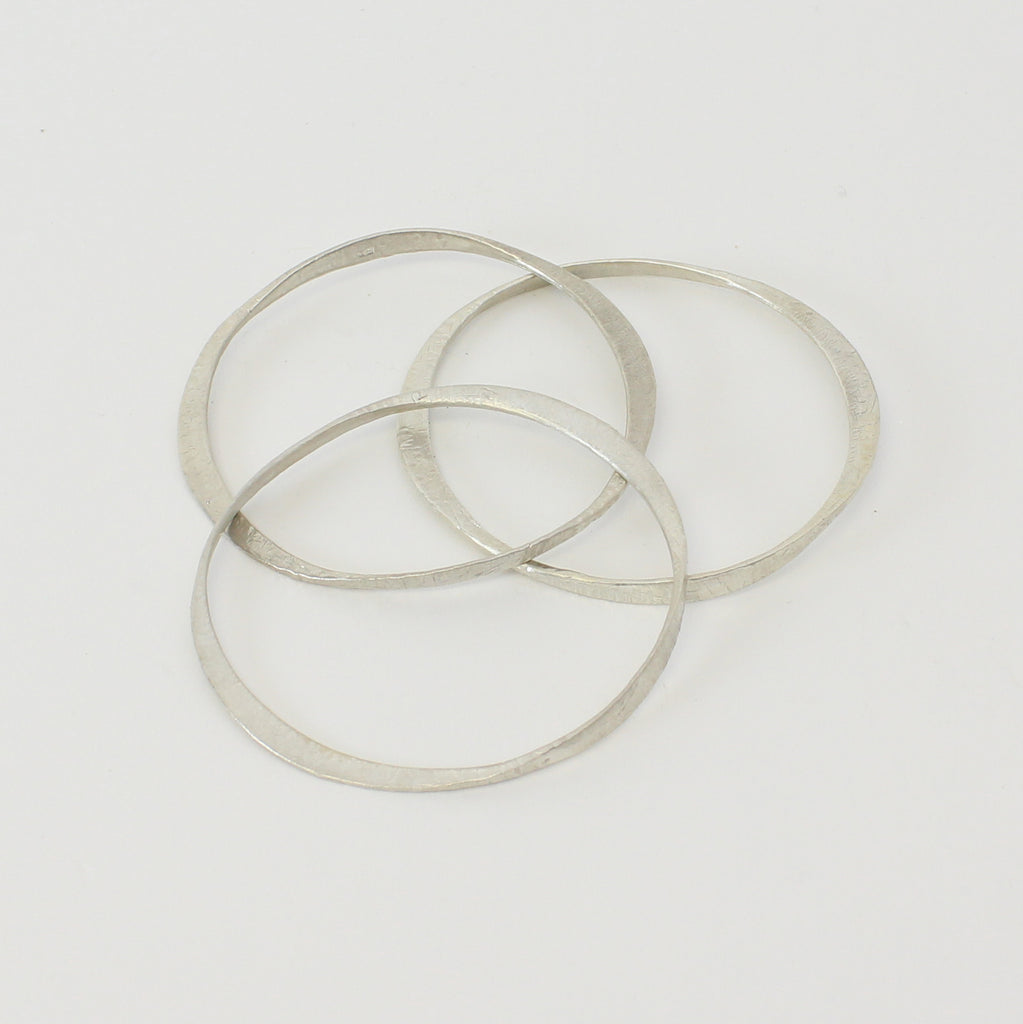 MAREA ALTA HAMMERED BANGLE | SILVER
