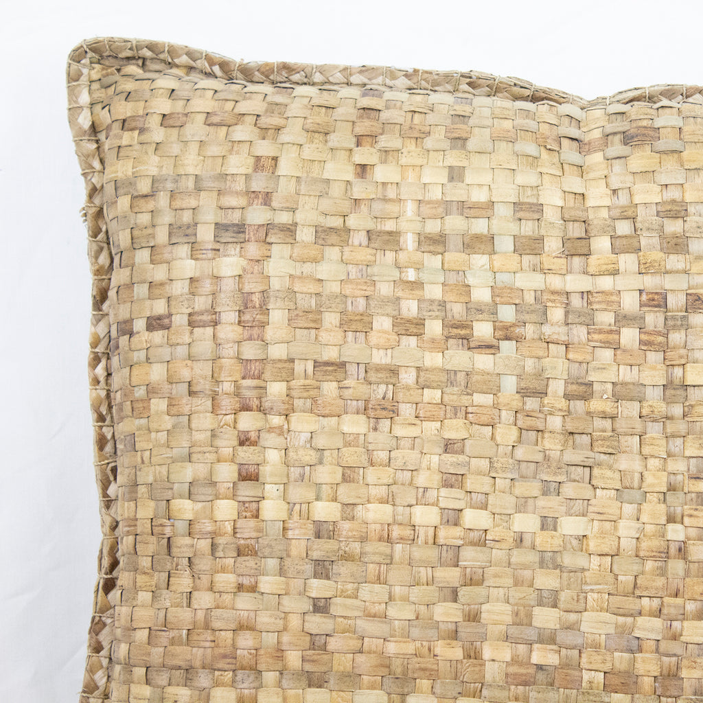 PANDANUS CUSHION