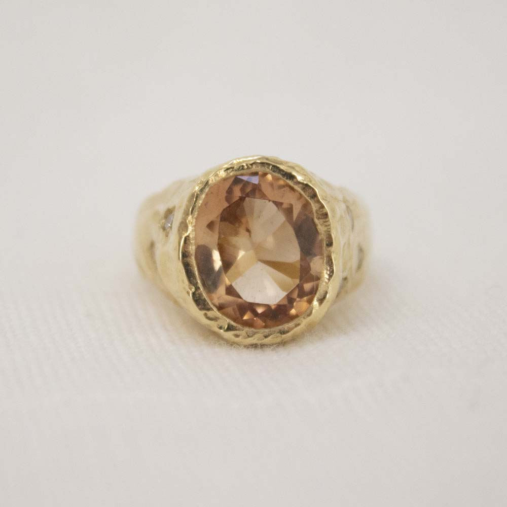 VIOLET RING | BROWN TOPAZ AND THREE DIAMONDS