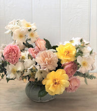 Load image into Gallery viewer, Ella Rose Bouquet