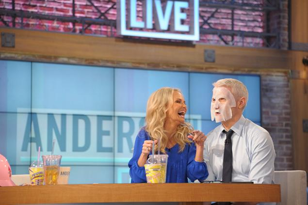BIOXIDEA on Anderson Live - Kristin Chenoweth shared a beauty treatment she recently tweeted -- the Bioxidea Miracle 24 Face Mask
