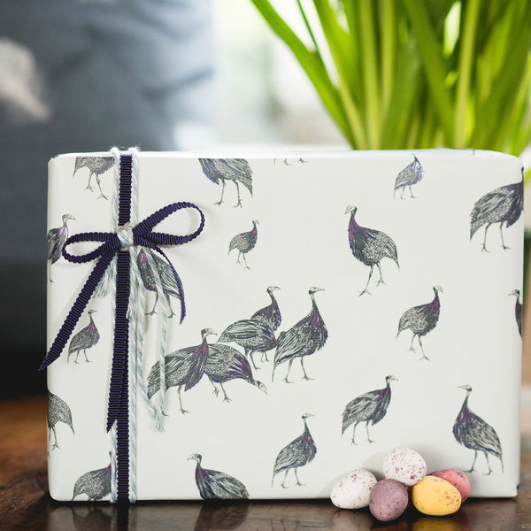 SAFARI Gift Wrap <br/> by Juliet Travers <br/> BIRDS OF A FEATHER