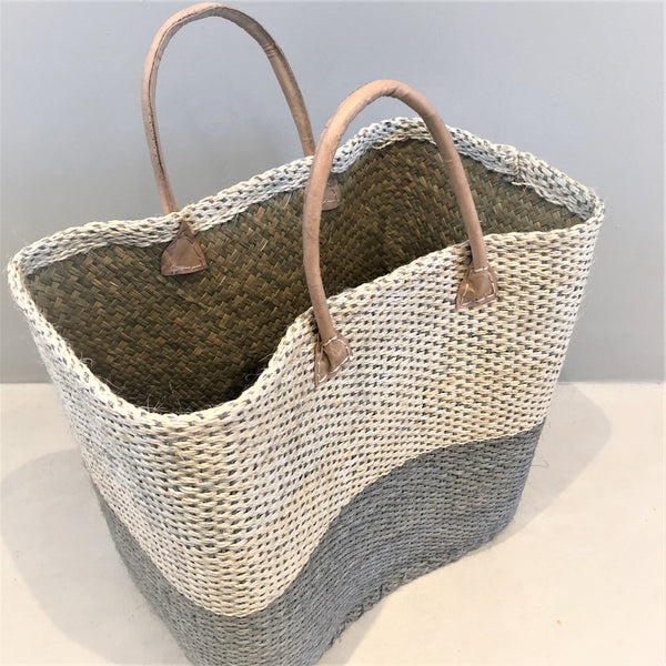 Sisal bag with leather handles