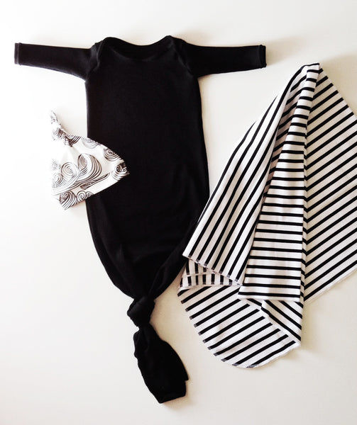 knotted baby gown in black