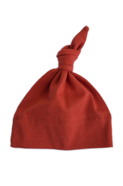 basic knotted beanie in rust