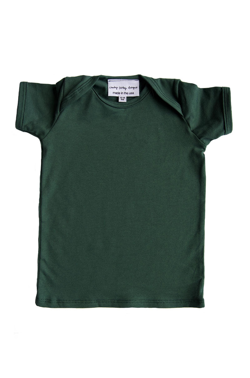 basic short sleeved tee in evergreen