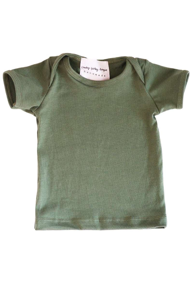 basic short sleeved tee in olive