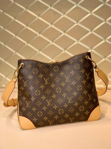 "Bolsa Louis Vuitton Odéon MM ""Monograma Canvas"""