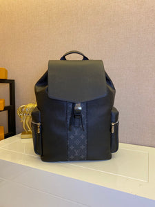 "Mochila Louis Vuitton Outdoor ""Monograma Eclipse"" (PRONTA ENTREGA)"