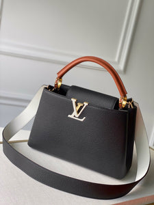 "Bolsa Louis Vuitton Capucines ""Black/White/Gold"""