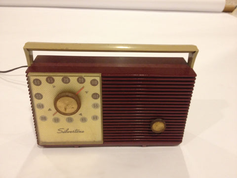 Vintage Silvertone Bakelite Tube Radio Red - Vintage Guitar Gallery of Long Island | Vintage Guitar Shop