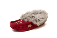 Load image into Gallery viewer, Women's Laurentian Chief Rabbit Fur Moccasins
