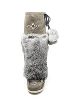 "Load image into Gallery viewer, Women's 16"" Laurentian Chief Suede Mukluks"
