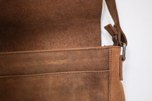 Load image into Gallery viewer, Buffalo Hide Messenger Bag #2837