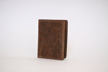 Load image into Gallery viewer, Buffalo Hide Unisex Billfold #216