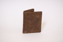 Load image into Gallery viewer, Buffalo Hide Unisex Billfold #237