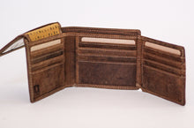 Load image into Gallery viewer, Men's Buffalo Hide Billfold #233