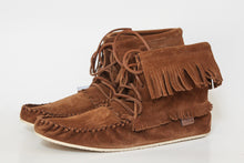 "Load image into Gallery viewer, Men's Laurentian Chief High-Top ""Apache"" Moccasin"