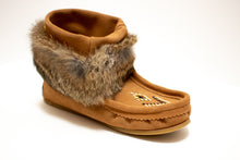 "Load image into Gallery viewer, Women's Laurentian Chief ""Nuka"" Ankle High Suede Boots with Rabbit Fur Trim"