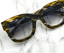 Load image into Gallery viewer, Thierry Lasry Unicorny