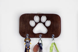 PETARCHI DOG LEASH HANGER WITH PAW CUT OUT, 3 HOOKS, BROWN