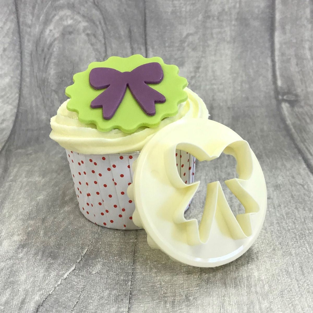 FMM BOW SCALLOP CUPCAKE cutter
