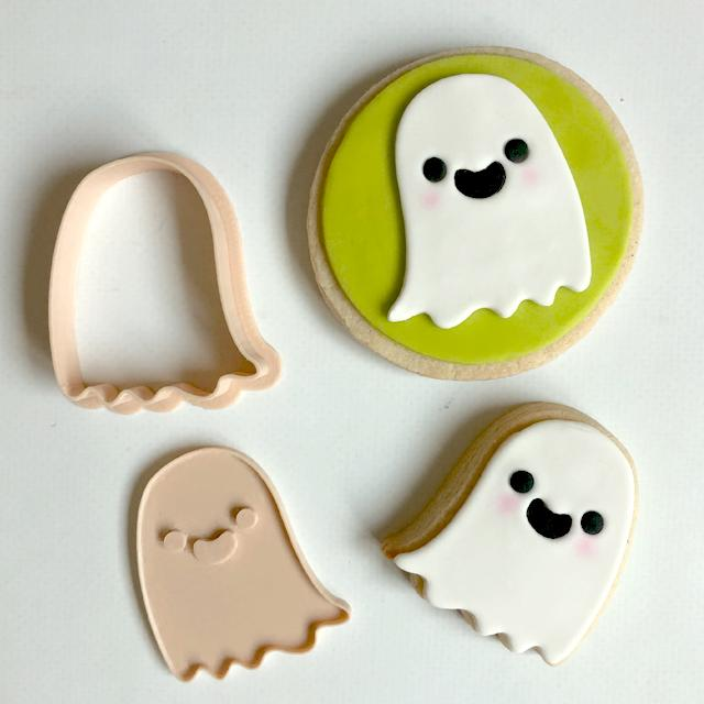 GHOST CUTTER + EMBOSSER SET by Little Biskut