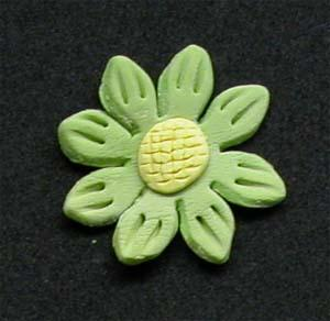 Daisy Cupcake Decorations GREEN 10 Pack