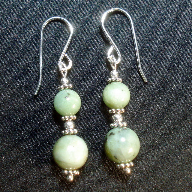 BUTTONGRASS JADE® EARRINGS. (J115)