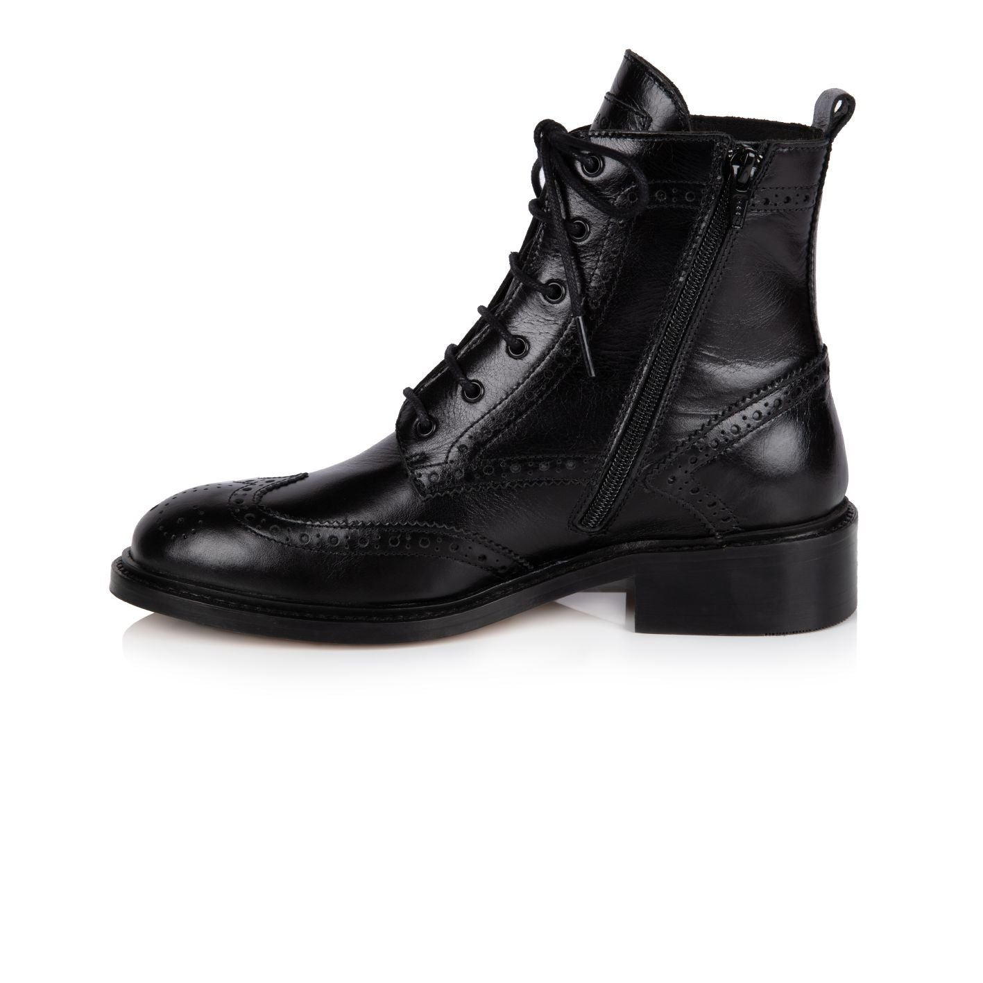 RILEY: BLACK LEATHER LACE-UP BROGUE BOOTS