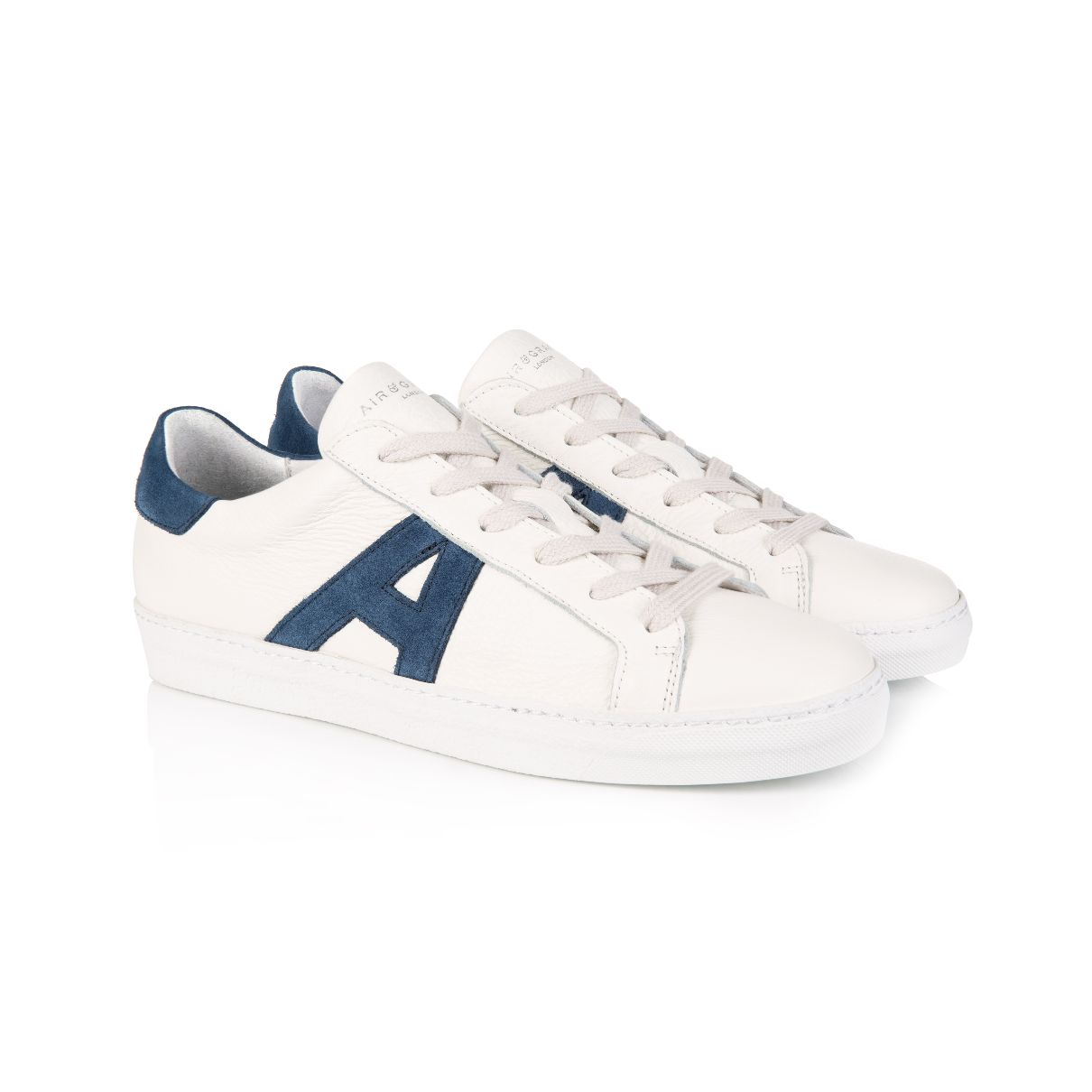 CRU SIGNATURE: WHITE & NAVY TRAINERS