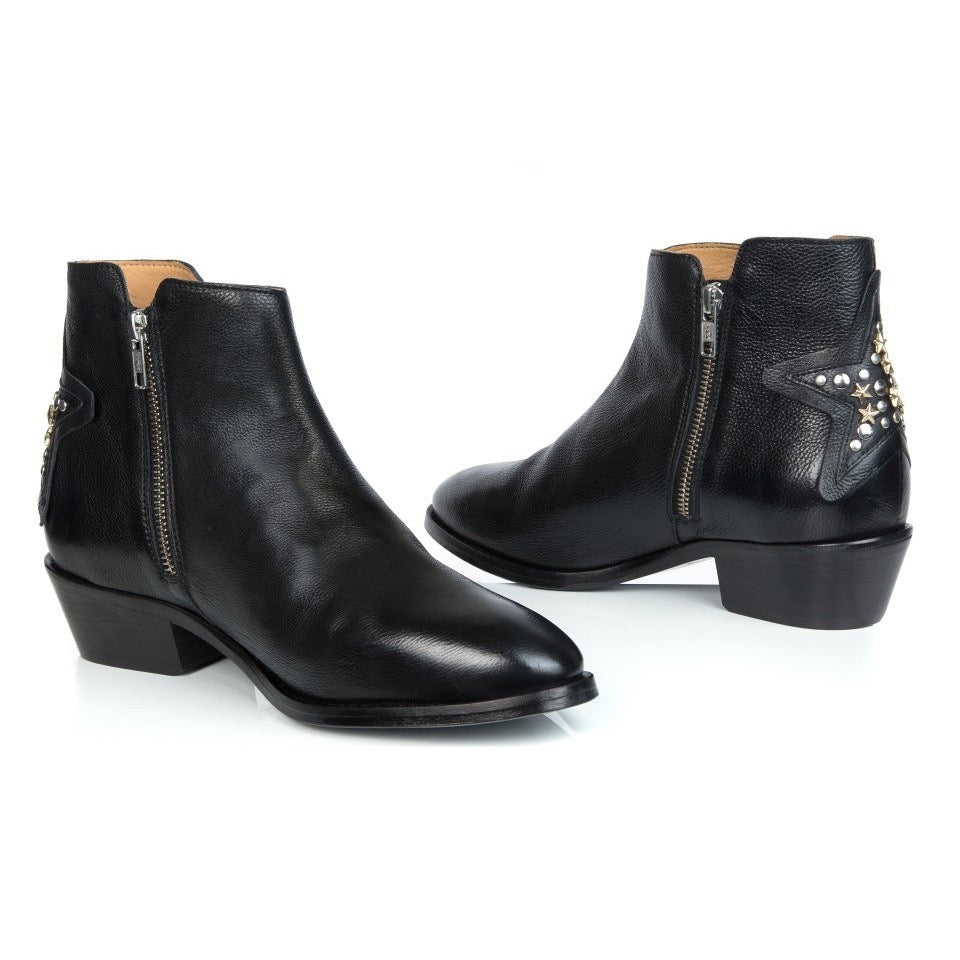 STELLAR: STUDDED BLACK LEATHER ANKLE BOOT