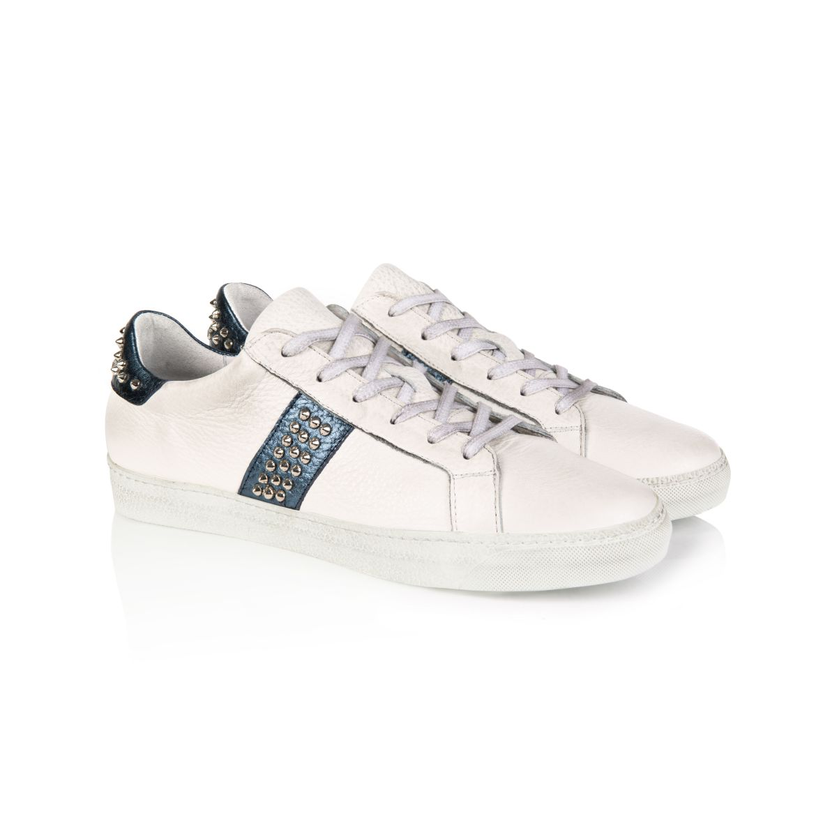 CRU: STUDDED WHITE & NAVY TRAINERS