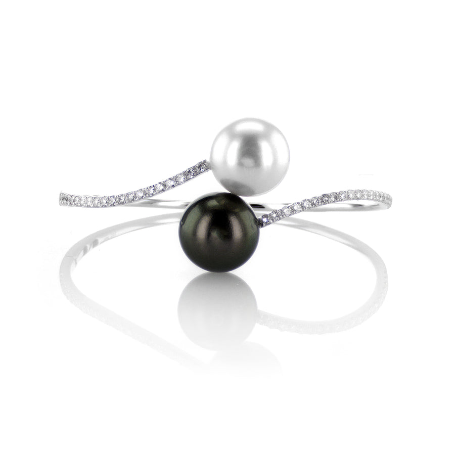 18K White Gold Pearl Bracelet with Diamonds - BR0042